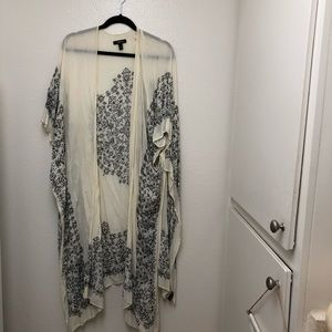 Torrid Cream Kimono Wrap